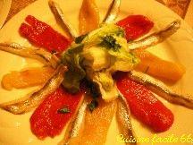 Assiette de poivrons et anchois au vinaigre à la catalane