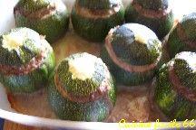 Courgettes rondes farcies au boeuf for Plat convivial ete