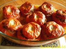 Tomates farcies à l'agneau et amandes