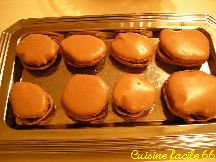 Macarons au chocolat amer, ganache au chocolat