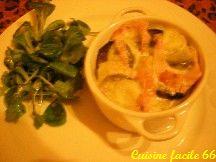 Petite cocotte de pommes de terre (rate et vitelotte) au reblochon et lardons