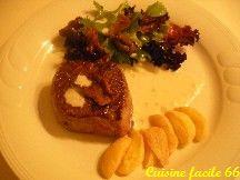Tournedos, sauce roquefort, salade de mesclun et pommes de terre brava